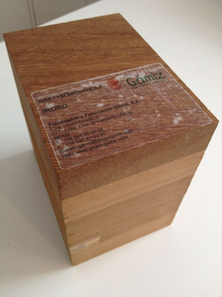 brettschichtholz-iroko_handmuster